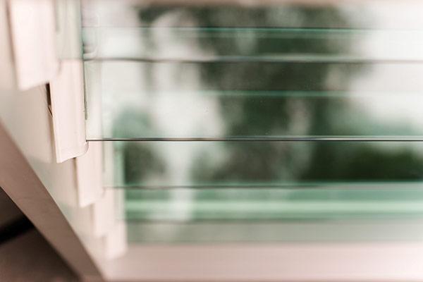 Lá sách cửa Altair Louvre bằng kính
