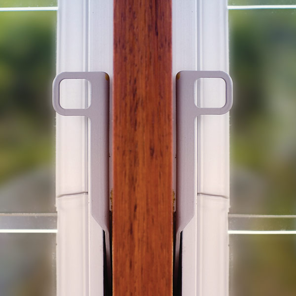 Breezway Altair Louvre Window low profile handle.  Right and left hand control shown.